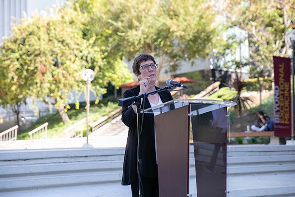 Alumni hear of expansion, improvements at Keck School and Keck Medicine